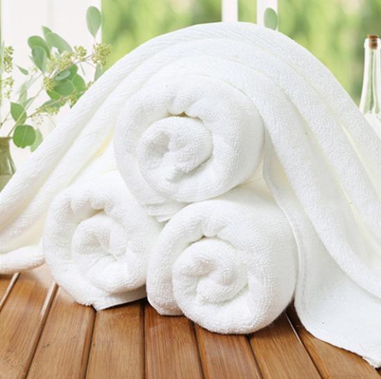 Hotelový ručník 50x100 cm bílý